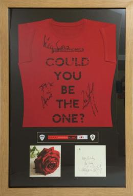 Framed Signed Stereophonics shirt with birthday card